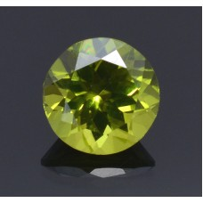 Peridot 7mm round facet  1.35 cts