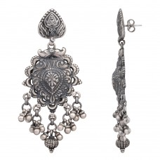 Antique style silver dangle earring
